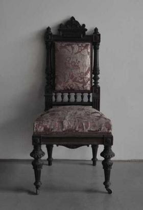 Cadires tapissades amb seda